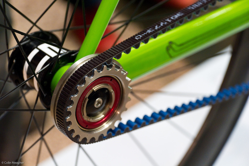 The belt system uses the split belt to stay on track.