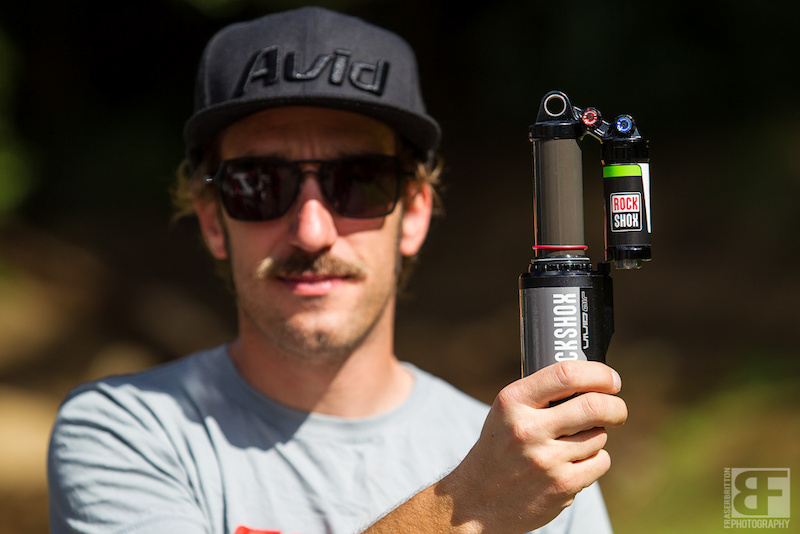 Rock Shox Blackbox boss Jon Cancellier gives us a sneak peak at Troy Brosnan s Vivid Air prototype featuring compression rebound and rebound end stroke adjustments as well as a volume adjuster.
