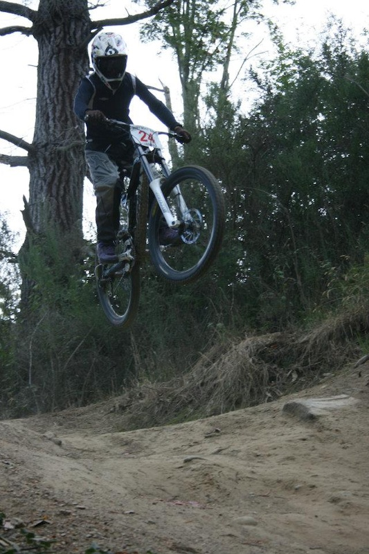 dirt masters down hill race