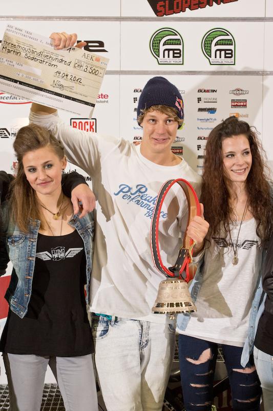S derstr m wins Rocket Air Slopstyle 2012