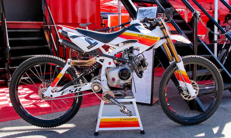 Specialized moto.