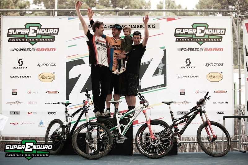 Andrea Bruno came back to his winning ways regaining the red leaders plate with his first win of the year in front of Alex Stock and Davide Sottocornola.