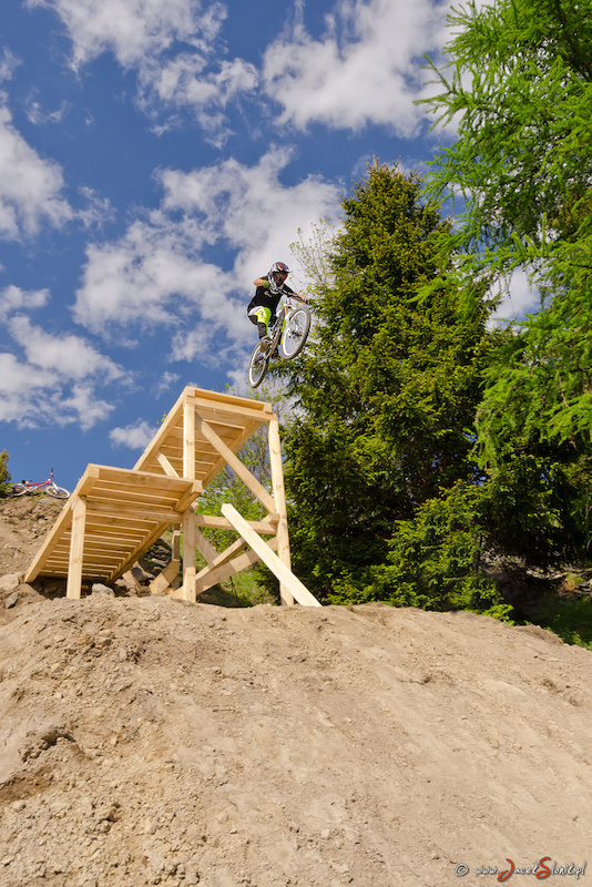 First hit on the new Slopestyle course in Kluszkowce. Course is looking better every minute . NOW EVERYBODY TAKE THEIR BIKES AN GO FOR joyridefest.pl. Photo www.jacekslonik.pl