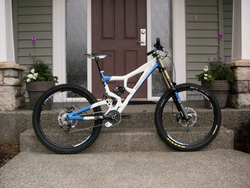 New 2012 Rocky Mountain Flatline Pro and new Raceface AtlasFR bars Thanks the Blacks Cycles and Rocky Mountain bikes