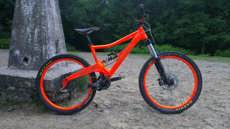 NEW Cane creek double barrel with 500lbs Titanium spring Plastic wrapped frame Hope V2 brakes with 203 vented discs rockshox Domain forks 160mm u-turn ready for the alps