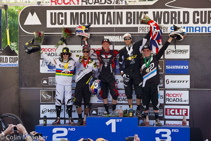 Men s Podium L-R Danny Hart 4 STEVE SMITH 2 Aaron Gwin 1 Gee Atherton 3 Loic Bruni 5 .