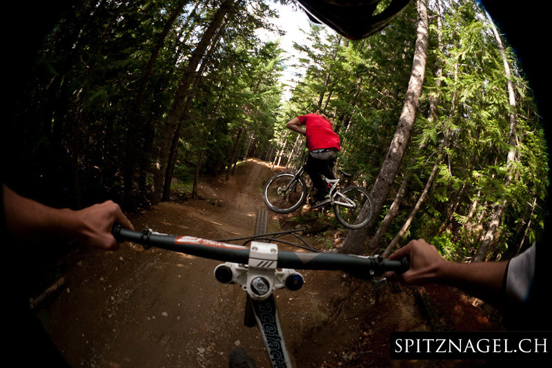 On the A-Line in Whistler. In front Kelly McGarry followed by Manuel Kunz.