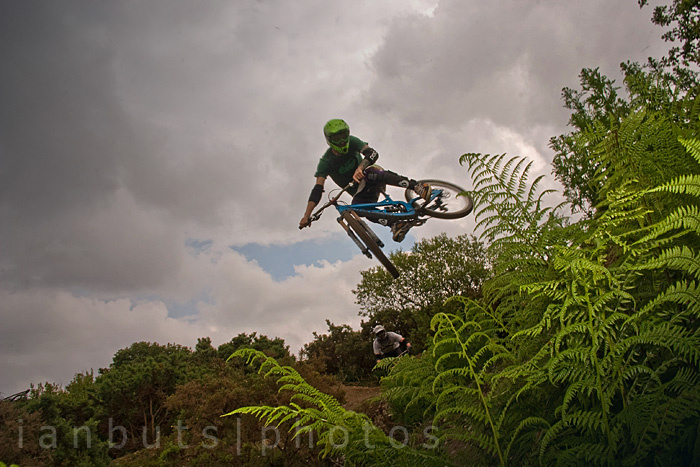 So, i would like to thank all the trails, track and jumps builders.You're doing a fantastic job out there! thankyou .photos from saturday session with Noah,Joe,Aiden,James,Luke and Ben cheers boys.