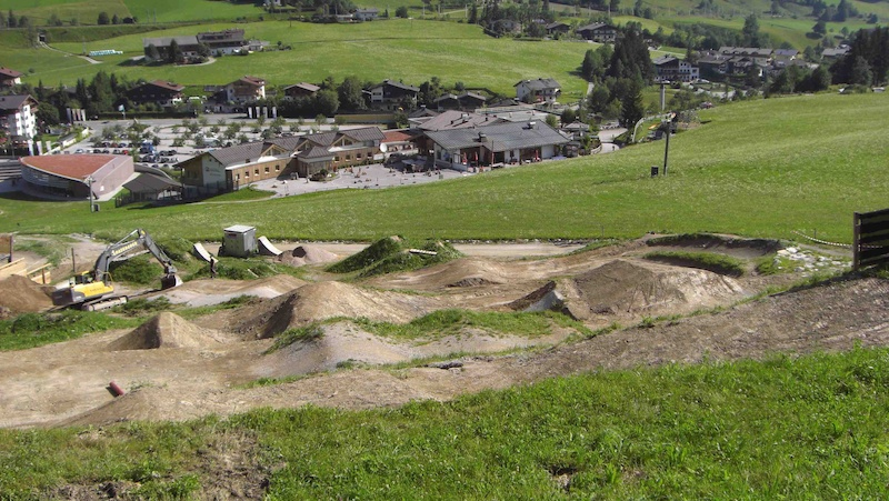 Reshaping of Leogang s notorious 4x-track for the 2012 UCI Mountain Bike amp Trials World Championships