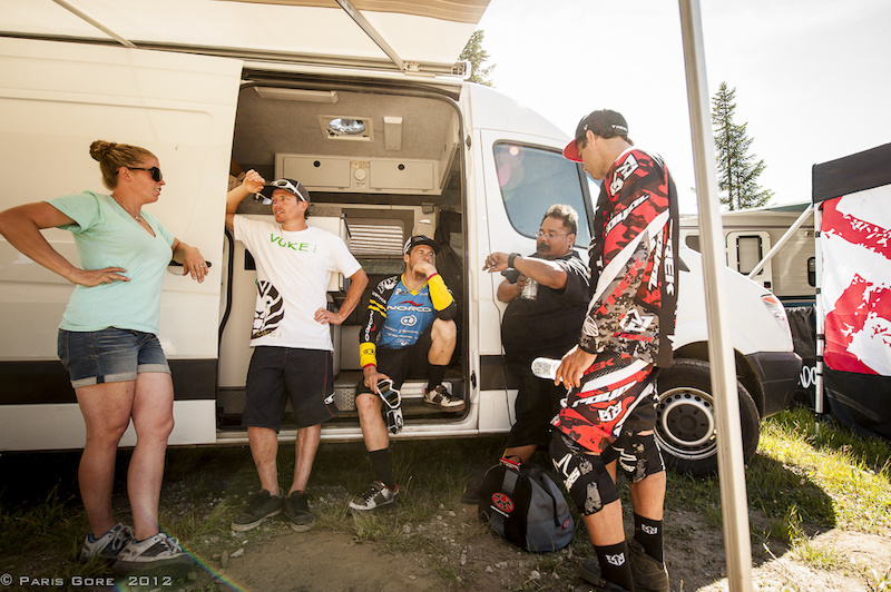 With everyone heading up to Crankworx the world cup athletes take some time to catch up before the busy week ahead.