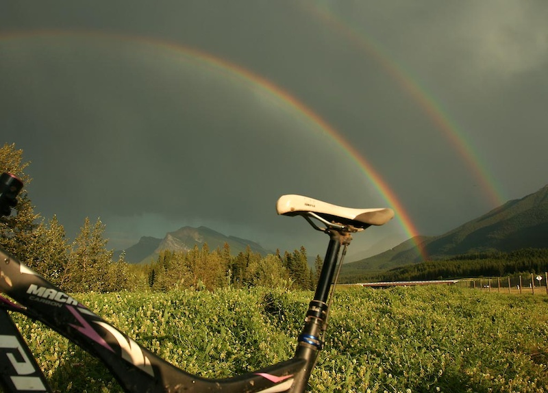 Double rainbow over Pivot Mach 5.7