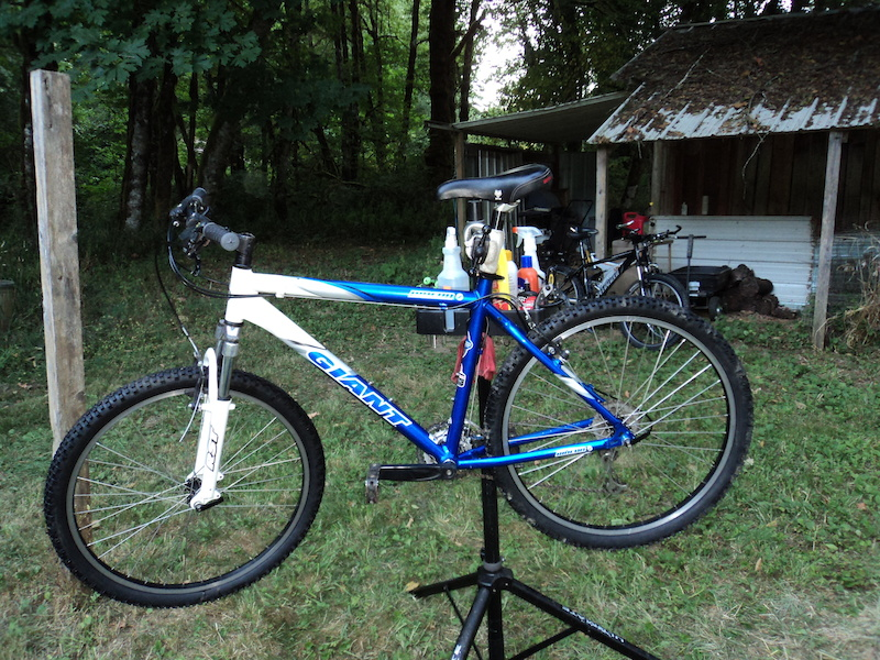 2003 Giant Rincon 19 Inch Frame 26 Inch Wheelset For Sale