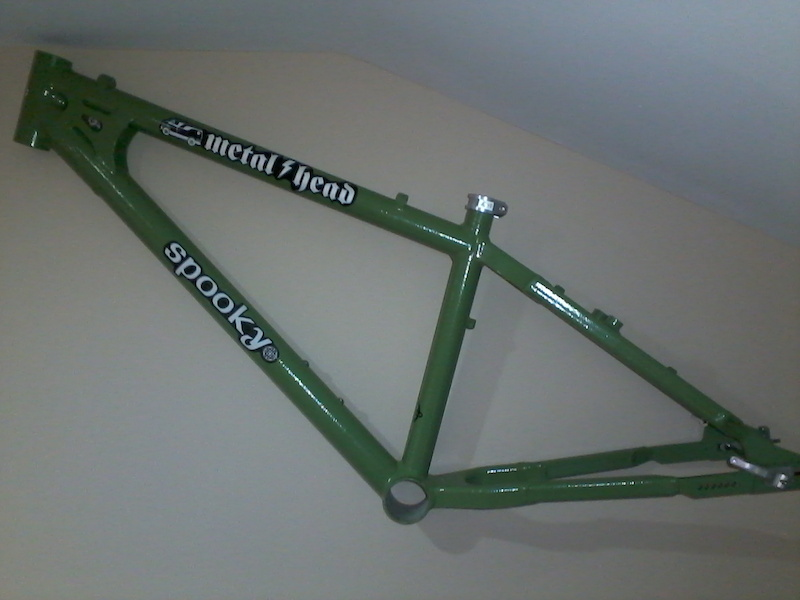 just got back from powder coat big thanks to Gary curtisbikes for making it happen -
