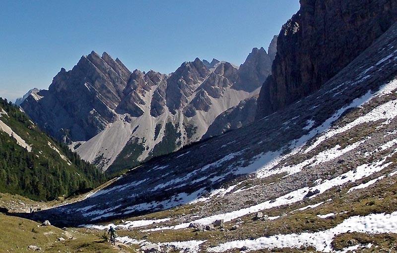 Dolomites wunderschoen