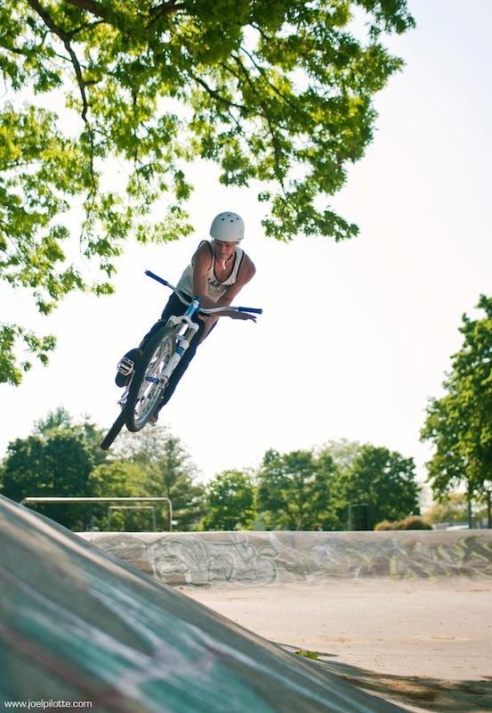 Barspin - Photo Joel Pilotte - www.joelpilotte.com