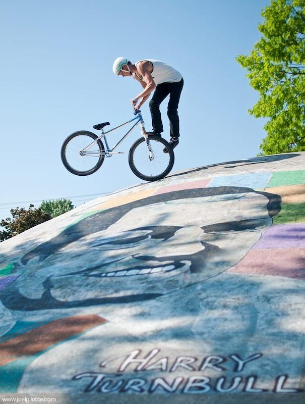 Footjam Whip - Photo Joel Pilotte - www.joelpilotte.com