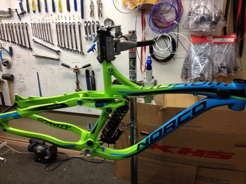 Took delivery of my 2013 Norco Aurum LE frame set this weekend, thanks to Norco Performance bikes and Consolvo bike shop for hooking me up!