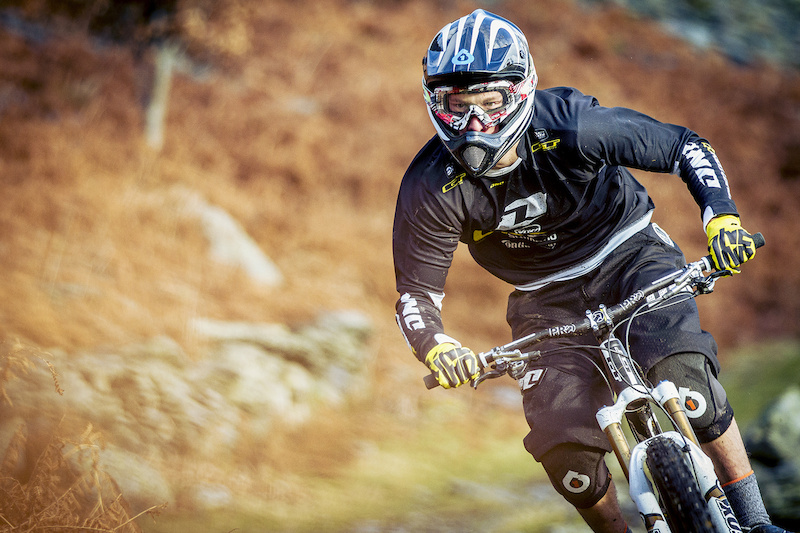 Powerhouse Riders Taylor Vernon and Martin Maes Set to Ride with Beaumont and Athertons - Laurence CE - www.laurence-ce.com