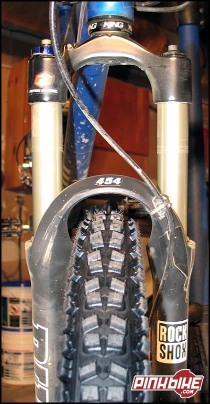 Hutchinson Barracuda Mrc Ust Tubeless 26 X 2.3 Folding Tire Bike