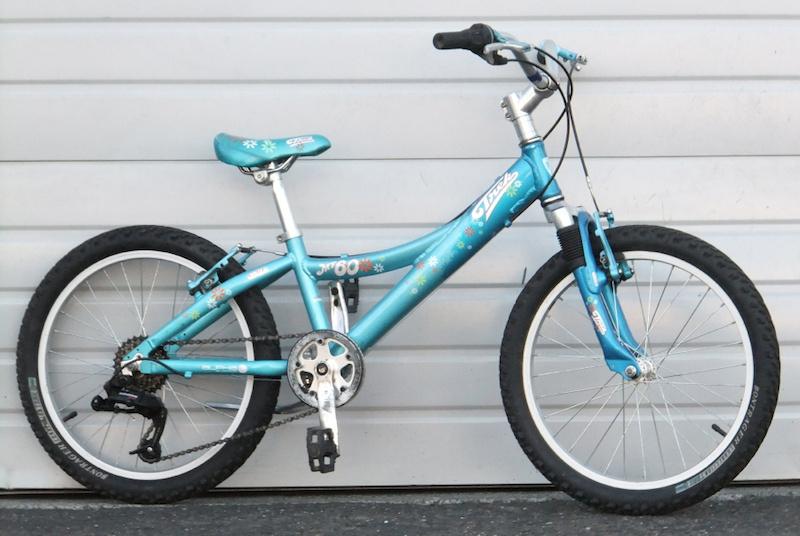 4617199515c 2009 Trek MT60 Girls Mountain Bike For Sale
