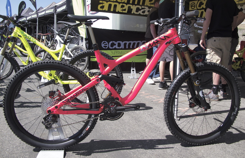 Commencal Meta SX in our favorite color.