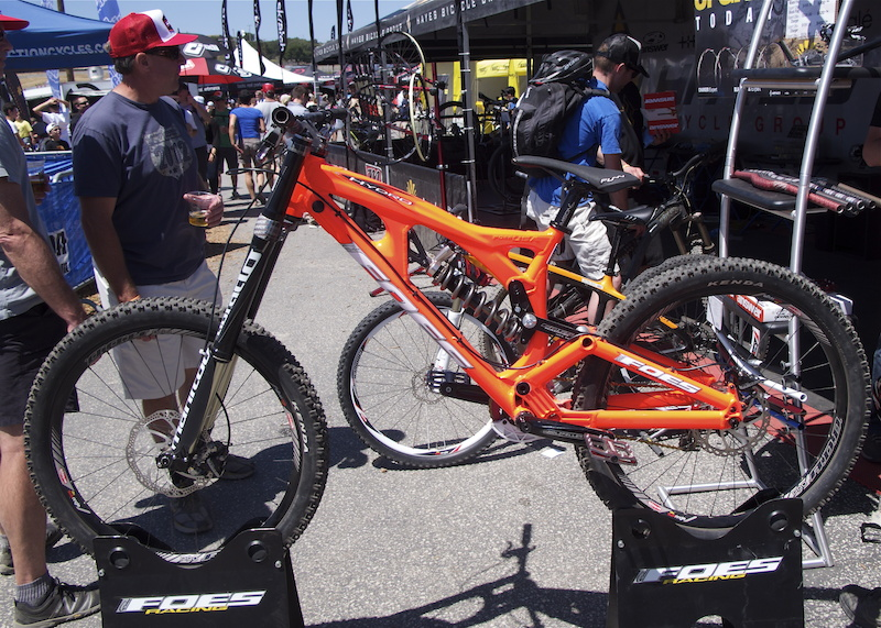 Foes Hydro DH bike with Manitou Dorado and Revox suspension.