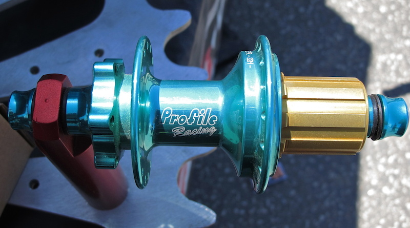 Profile Racing s rear hub is one of the best sounding hubs and this color is sure to set you apart from the rest too.