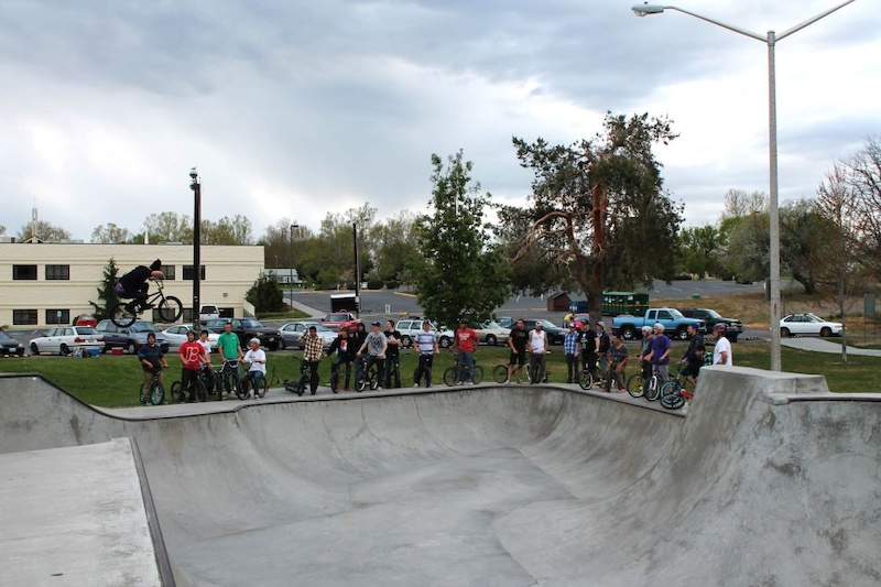 huge group and me doing a 180 over all them and the buns and bmx jam
