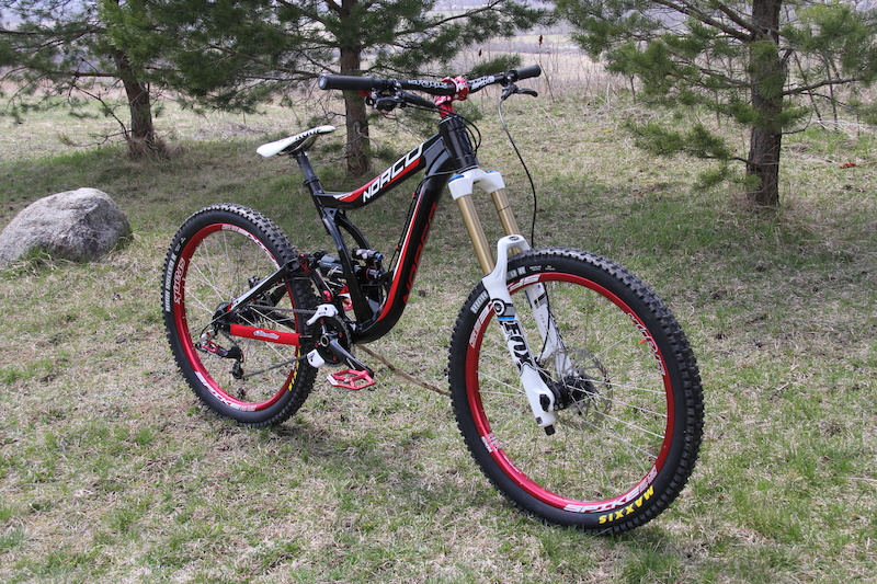35e4ef191f7 my complete Norco Team DH build still getting new rotors seat clamp seat  post and brake