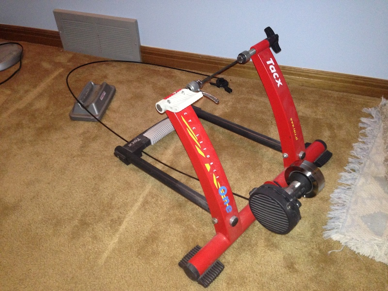 Onwijs Tacx Cycleforce One Bicycle Trainer For Sale XC-09