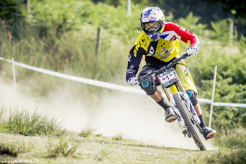 Gee Atherton on his way to the win at the British National Championships 2013 Llangynog - Laurence CE - www.laurence-ce.com