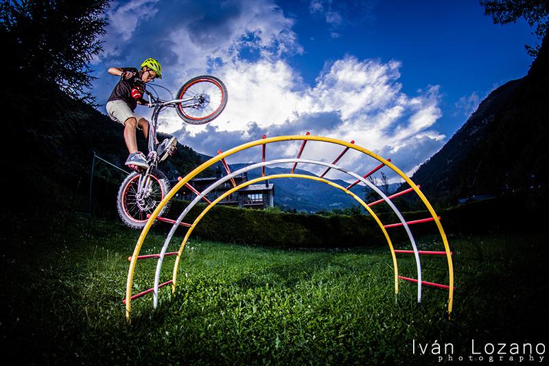 Biketrial rider 11 years