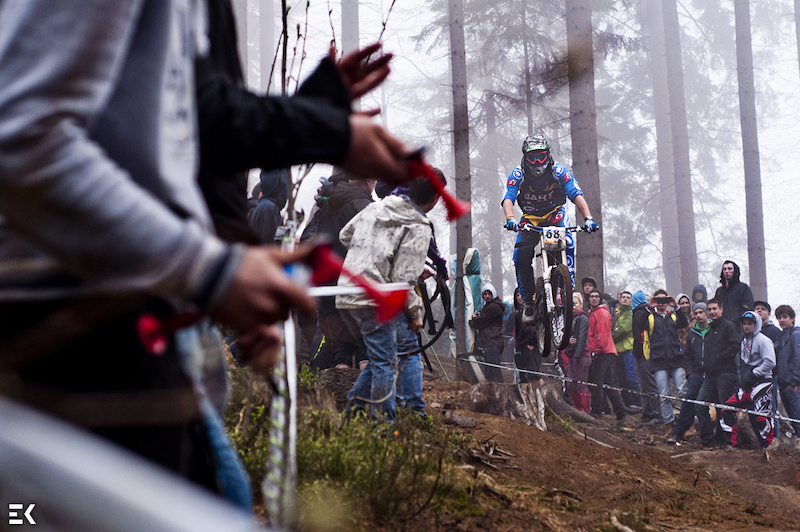 That was one muddy and foggy race. But with crowd like that you just pull your sleeves up and go for it Photo Ewa Kania
