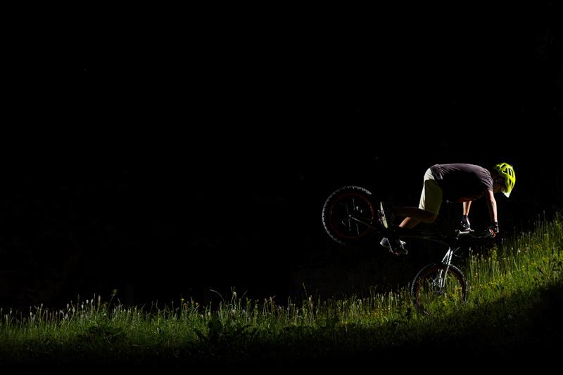 11 years old biketrial rider picture by Josue Avila Navarro.
