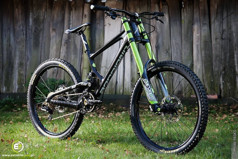 DVO Emerald DVO Jade and Antidote Frame make a perfect combination for my DH dream whip 2 Runs on Mega Avalanche trails kept me smiling all week 16.6 Kilos until my E 13 wheels come and then it should be at 16.00kg