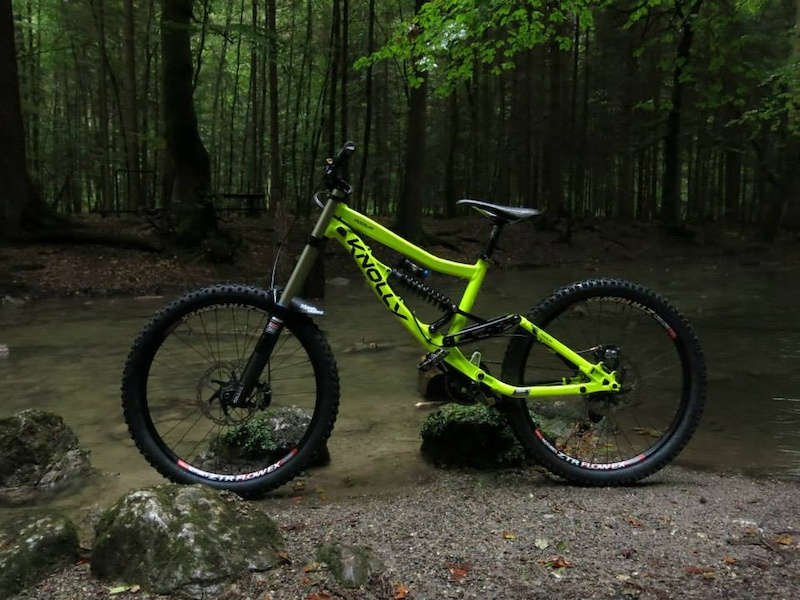 *My Horse for 2013* Knolly Podium *DayGlowYellow* (glow's in the dark... you will see ) - RockShox Boxxer R2C2 - Fox DHX RC4 Kashima - Saint Brakes ... - Saint Shifters - Hope/ZTR Flow EX Wheels - Maxxis Tires - Chromag Bar - Sixpack Stem - Syncros Seatpost