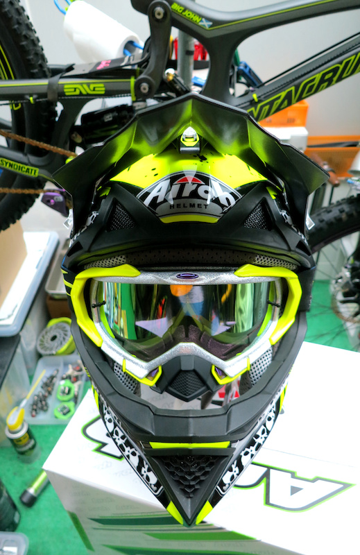 What Helmets Amp Goggles Do You Use Page 278 Pinkbike Forum