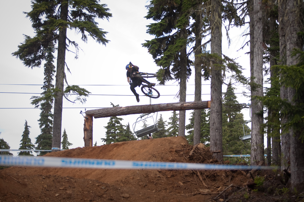 Andreu style over the hitching post.
