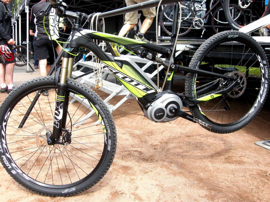 Scott i-Spark Bosh assist motor, power control, Shimano Deore X transmission and Fox dual-travel Nude shock.