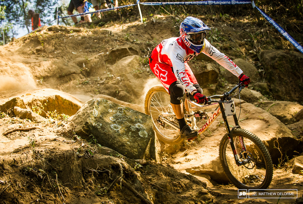 Steve Smith is having one hell of a season. With a custom bike for Worlds Devinci is giving their boy everything he needs to come out on the top step of the podium come Sunday. http www.pinkbike.com news Steve-Smith-devinci-prototype-world-champs.html