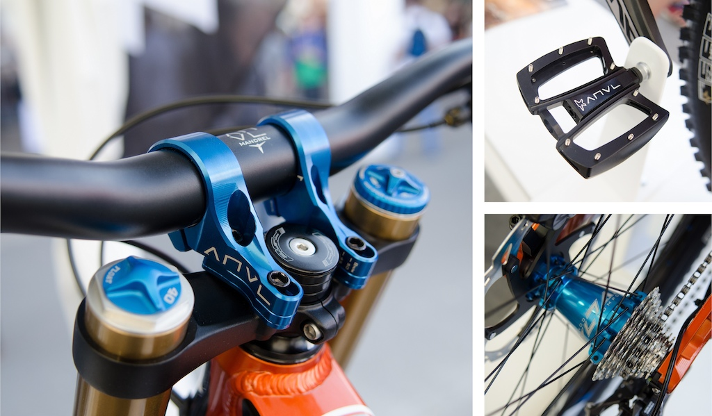 There were a number of Anvl components hanging off of the prototype Transition TR450 including a direct mount stem flat pedals and a complete wheelset.