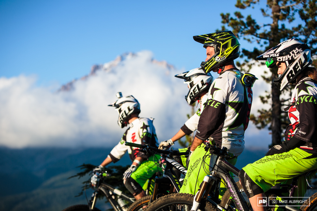 The Incycle MTB team at the top of Ski Bowl.