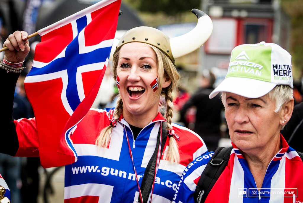 The Viking spirit is alive and well here in Norge. Gunnrita Fans out in force.