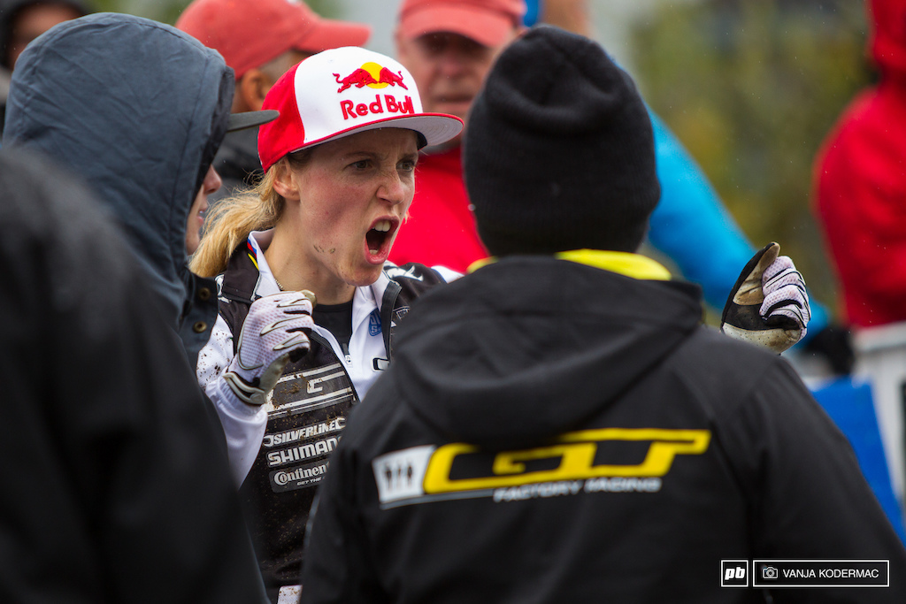 Rachel Atherton explaining her run.