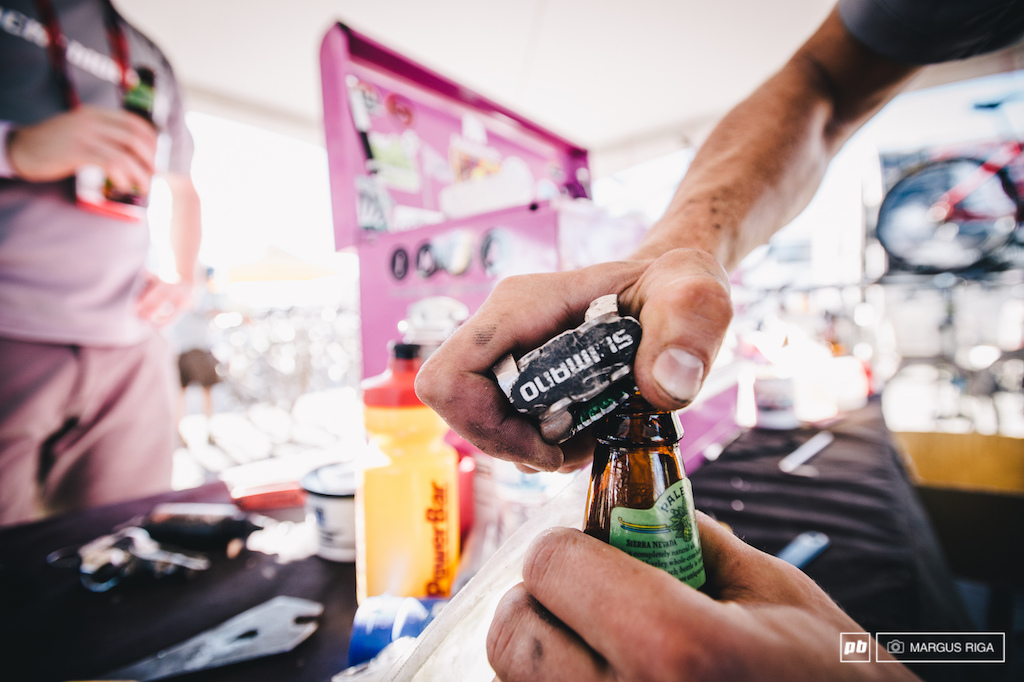 Yet another way to use bike components to open beer. It would be interesting to know how many different ways there actually are