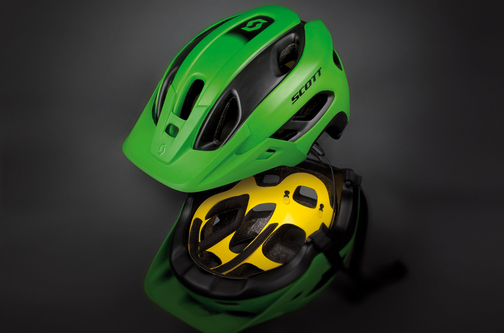 The finished Scott Stego helmet - the yellow liner you can see beneath is the MIPS liner.