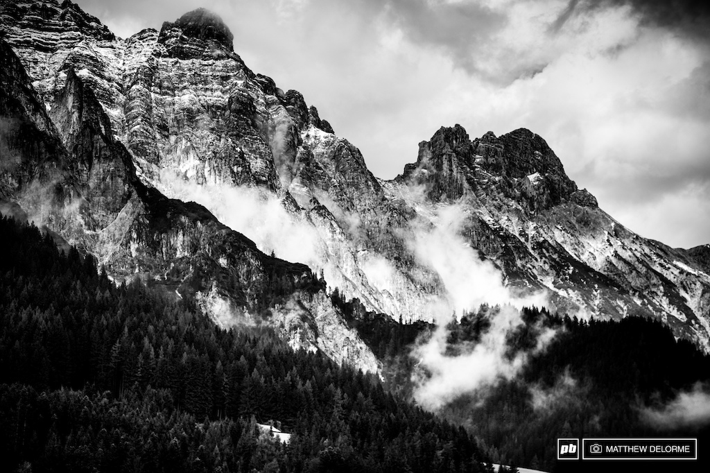 Leogang. Some of the best scenery of the season is here. Massive majestic granite peaks and steep slopes beckon.