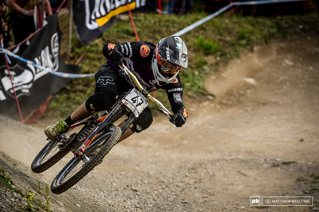 Connor Fearon riding to a top 10 in Leogang.