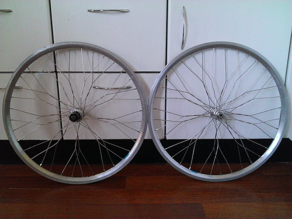 Twisted wheelset