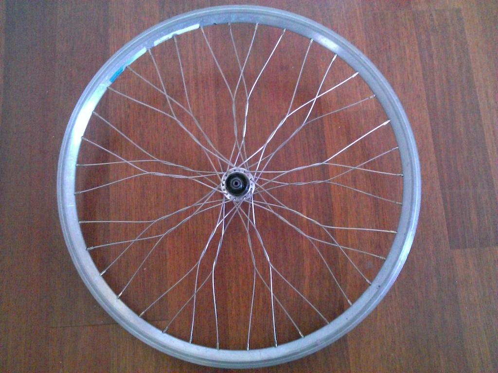 XT rear twisted wheel